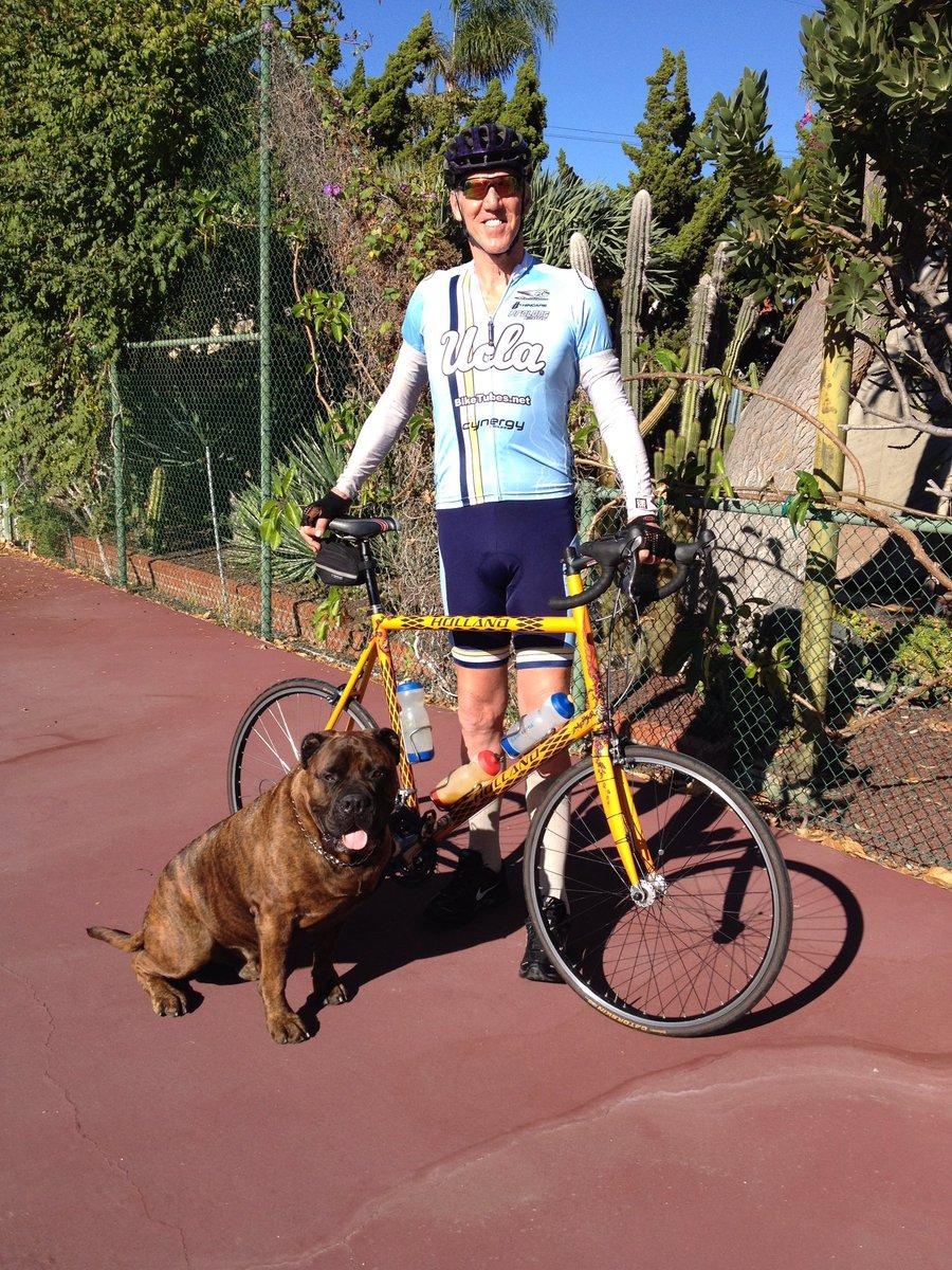 """Will the people at @HawaiianAir in Honolulu please give me my bike back,   I love my bike, I need my bike"""" https://t.co/mqijDYWaM7"""