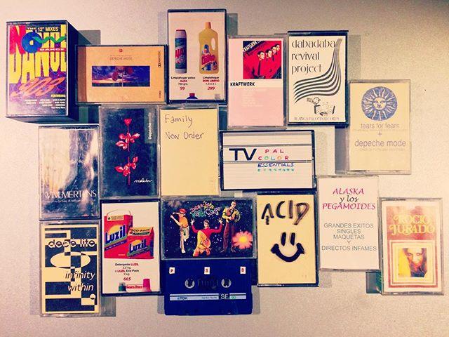 Feliz viernes! Qu habr en esa caja? Cassettes! diy cassette tape deeelite