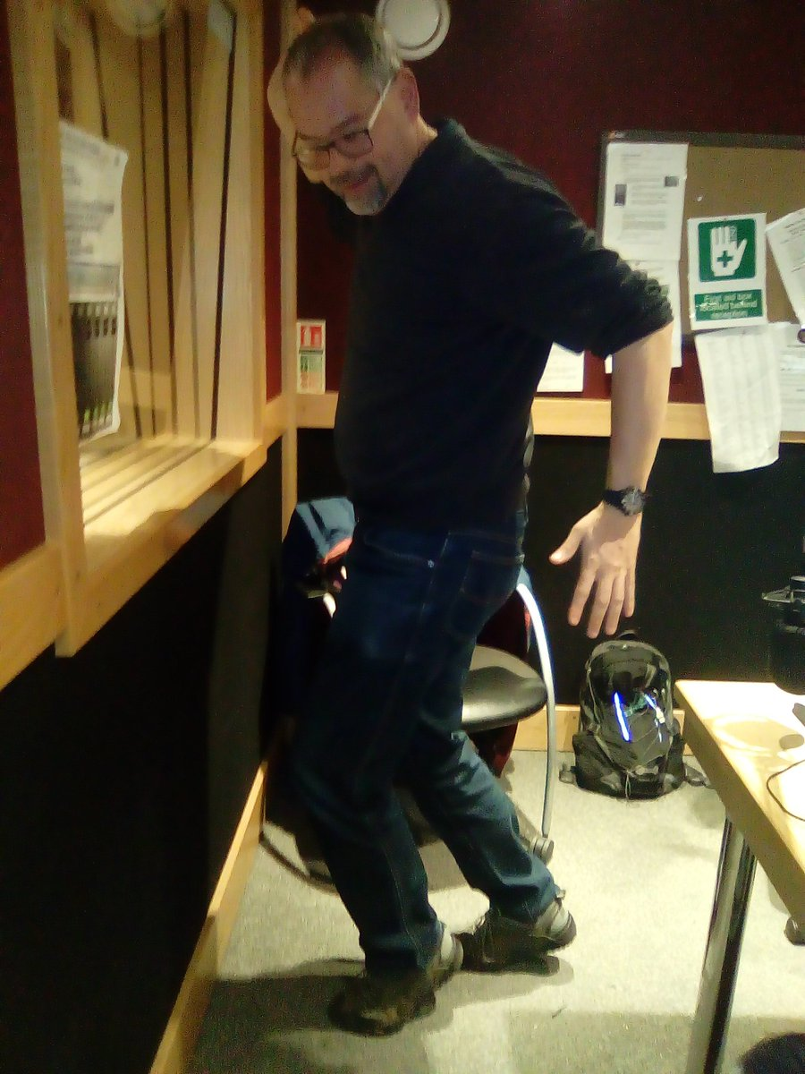 Here you go @GoldenTriangleB this  is @RichardMaun doing his #supermoon walk in the studio for #norwichhour