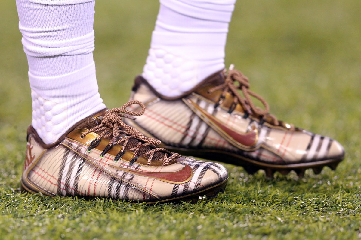 24454adfbb72 solewatch obj3 warmed up for mnf in custom burberry nike cleats by kobrand
