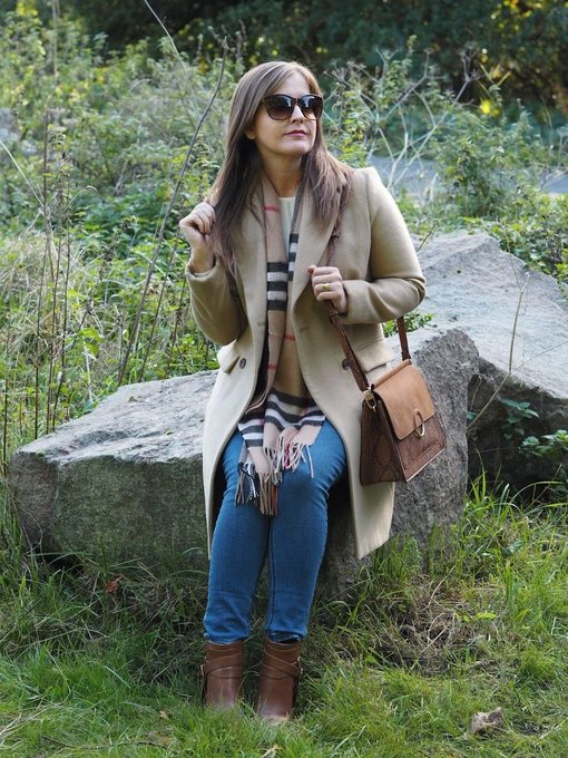 Getting into Autumn with my new scarf! fashion OOTD trend outfit autumn Burberry