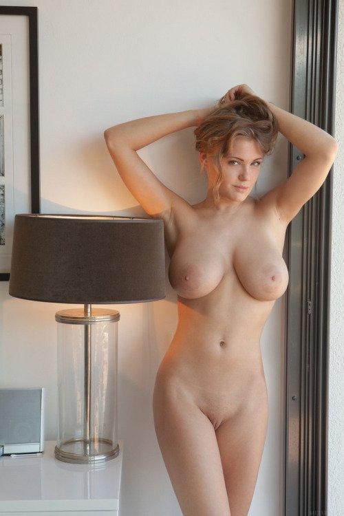 Пухлые голые груди фото 46067 фотография