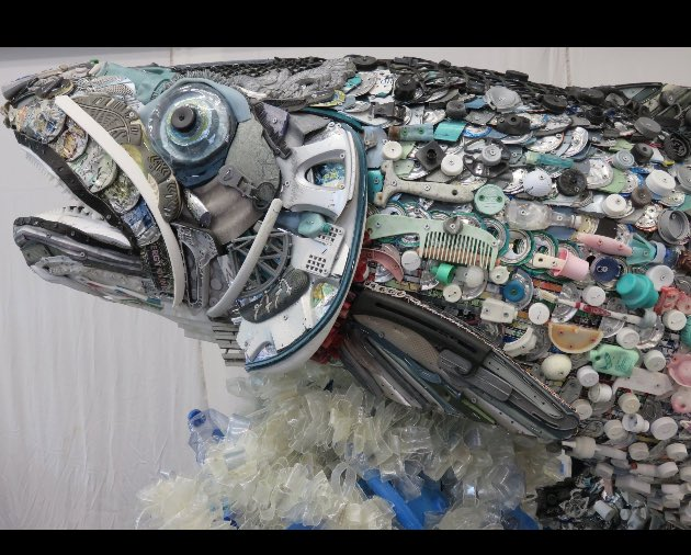 Look closely: this salmon is made entirely of ocean trash...@WashedAshoreArt @MatthewModine #conservation https://t.co/vSAQPGociS
