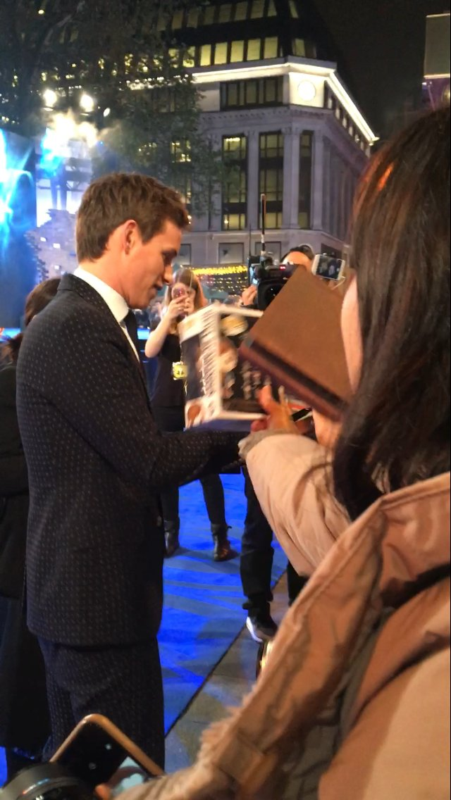 Eddy Redmayne!! These were the best of mine…. #FantasticBeasts  #london https://t.co/H2dqWi4v56