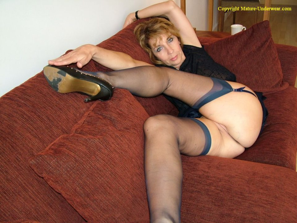 Want mature in stockings tube can't