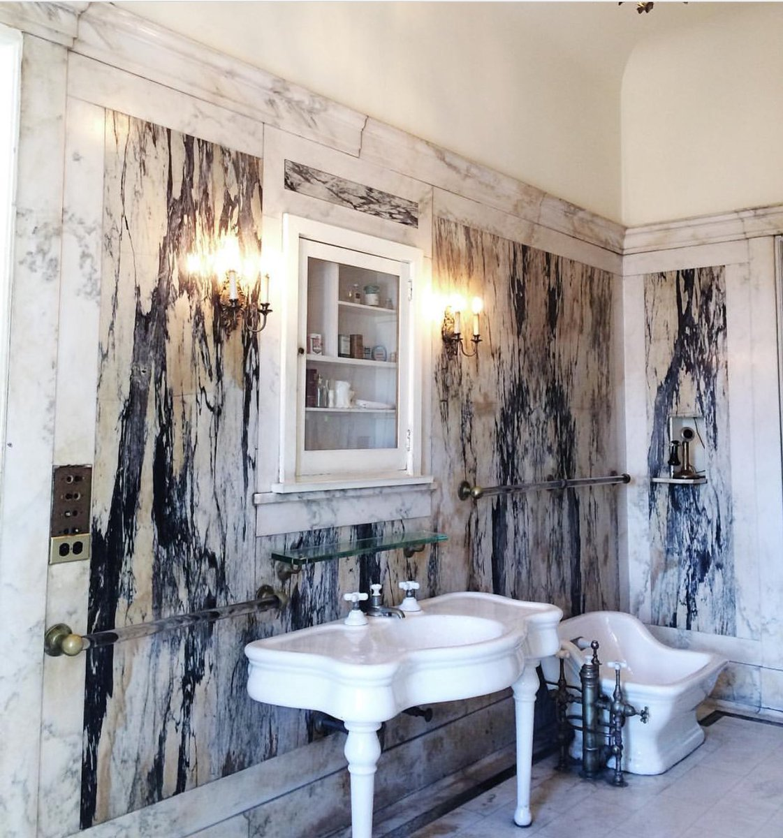 casa loma on twitter of course sir henry pellatt would have marble walls in his bathroom in his castle libertygroup casaloma tourismtuesday toronto