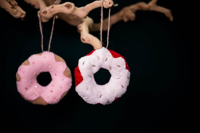 Donut you want to make this DIY ornament? mrkate whynot