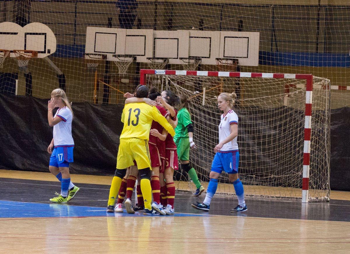 La selección española de fútbol sala femenino gana 1-0 a la selección de Rusia. @AJFSFemenino @eslaseleccion https://t.co/0TQudHci7E
