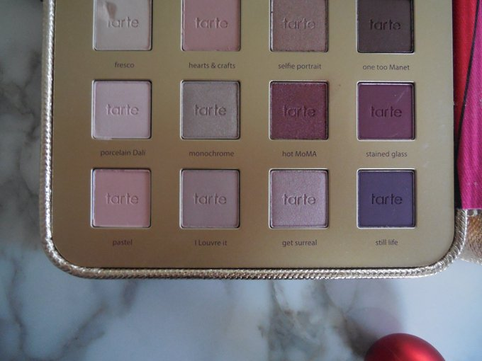 The low-down on this tartecosmetics Holiday2016 palette: bbloggers makeup beauty