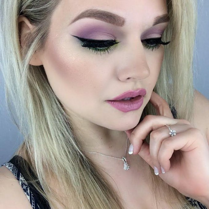 AmyP_MUA's pastel MOTD in minutes with help from her videotutorial found here!