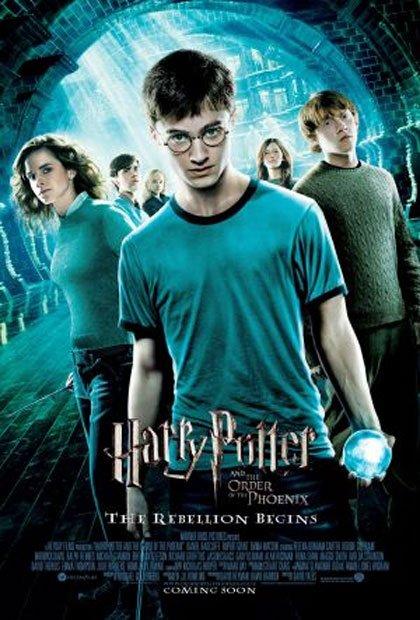 Il cammino di #HarryPotter si fa sempre più arduo: voi siete #teamFenice o #teamMangiamorte? https://goo.gl/7jhkG6 L'Ordine della Fenicepic.twitter.com/K2fNyEE7vK