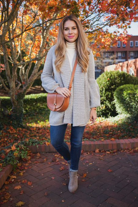 A Casual Outfit for Thanksgiving via The Teacher Diva theteacherdiva ootd
