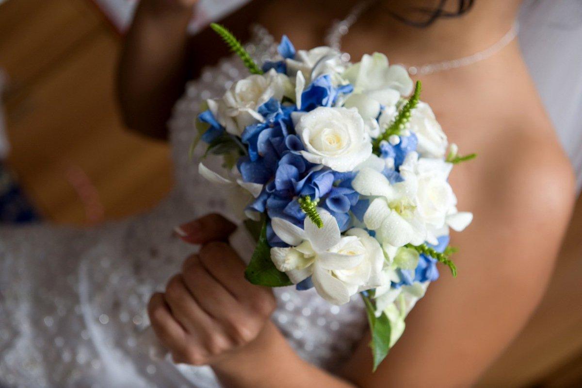 Свадебные букеты бело голубые фото