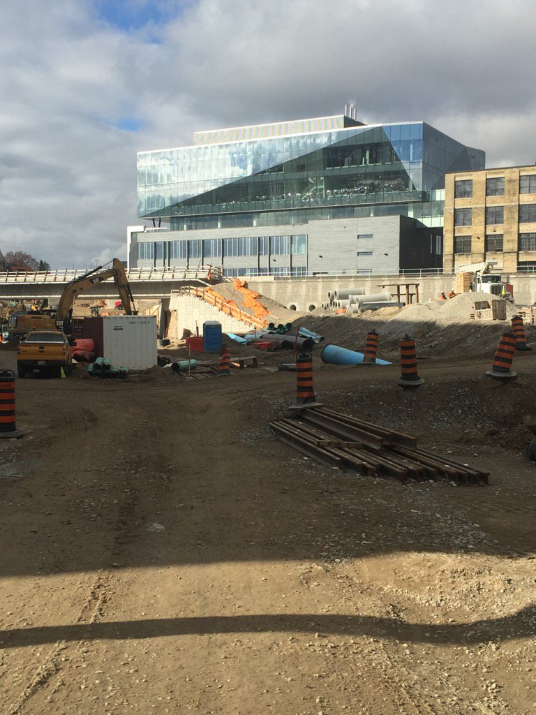 Let's talk transit and job creation. New Waterloo Light Rail line attracts Google and 3000 high tech jobs. #transit