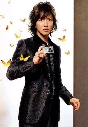 蝶々と映る木村拓哉さん