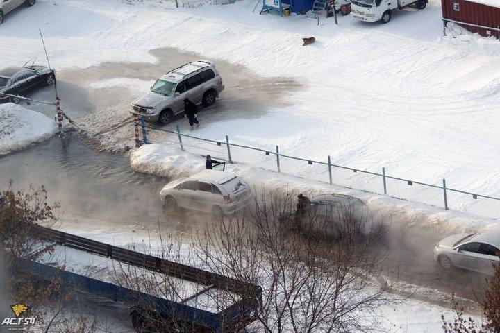 Авария в столице: из-за прорыва водопровода общественный транспорт сменит маршруты - Цензор.НЕТ 6221