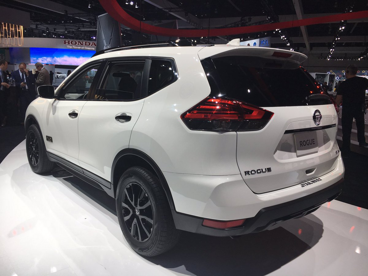 fangirling with nissan rogue rogue one star wars limited edition at la auto show 2016 cherry. Black Bedroom Furniture Sets. Home Design Ideas