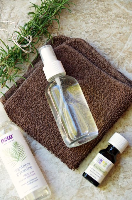 DIY Skin Moisturizing Spray with Rosemary and Glycerin. DIY beauty skincare
