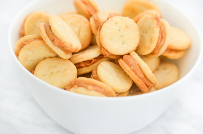 YUM! > Homemade Ritz Peanut Butter Crackers Recipe lucismorsels realfood DIY
