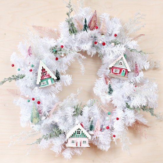 DIY DIY Christmas Village Wreath