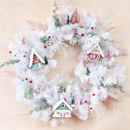 DIY DIY Christmas Village Wreath
