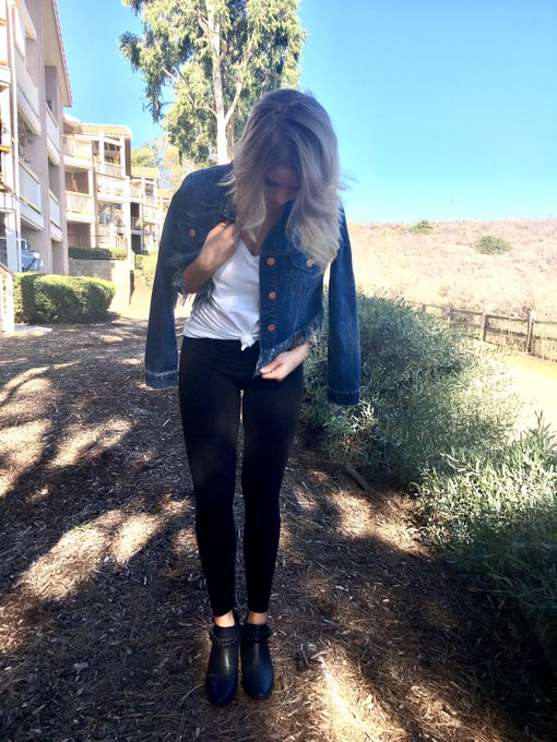 Sharing my new favorite denim brand on , you wont want to miss it! fblogger ootd