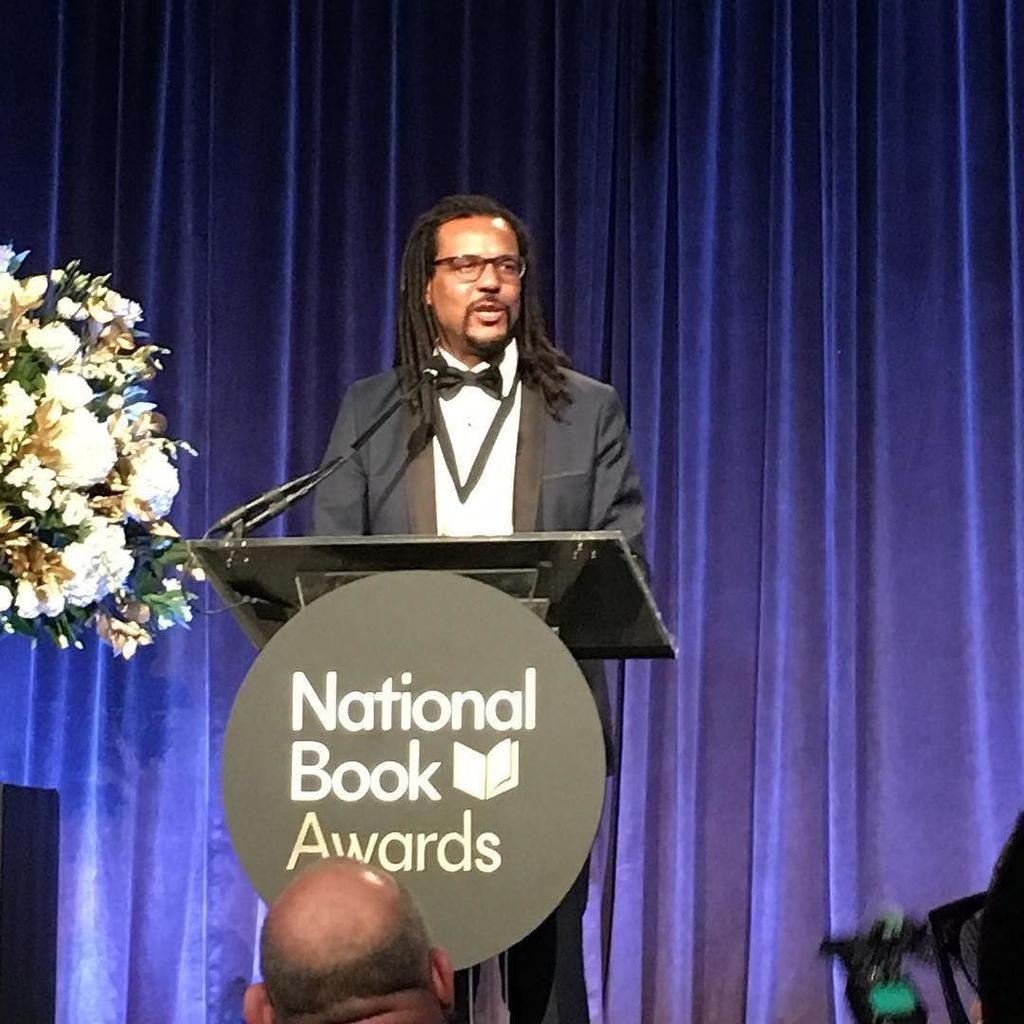 """Be kind.  Make art.  Fight the power."" -Colson Whitehead #nbawards https://t.co/1D7O5DaGqh https://t.co/GQmAZDg4fv"