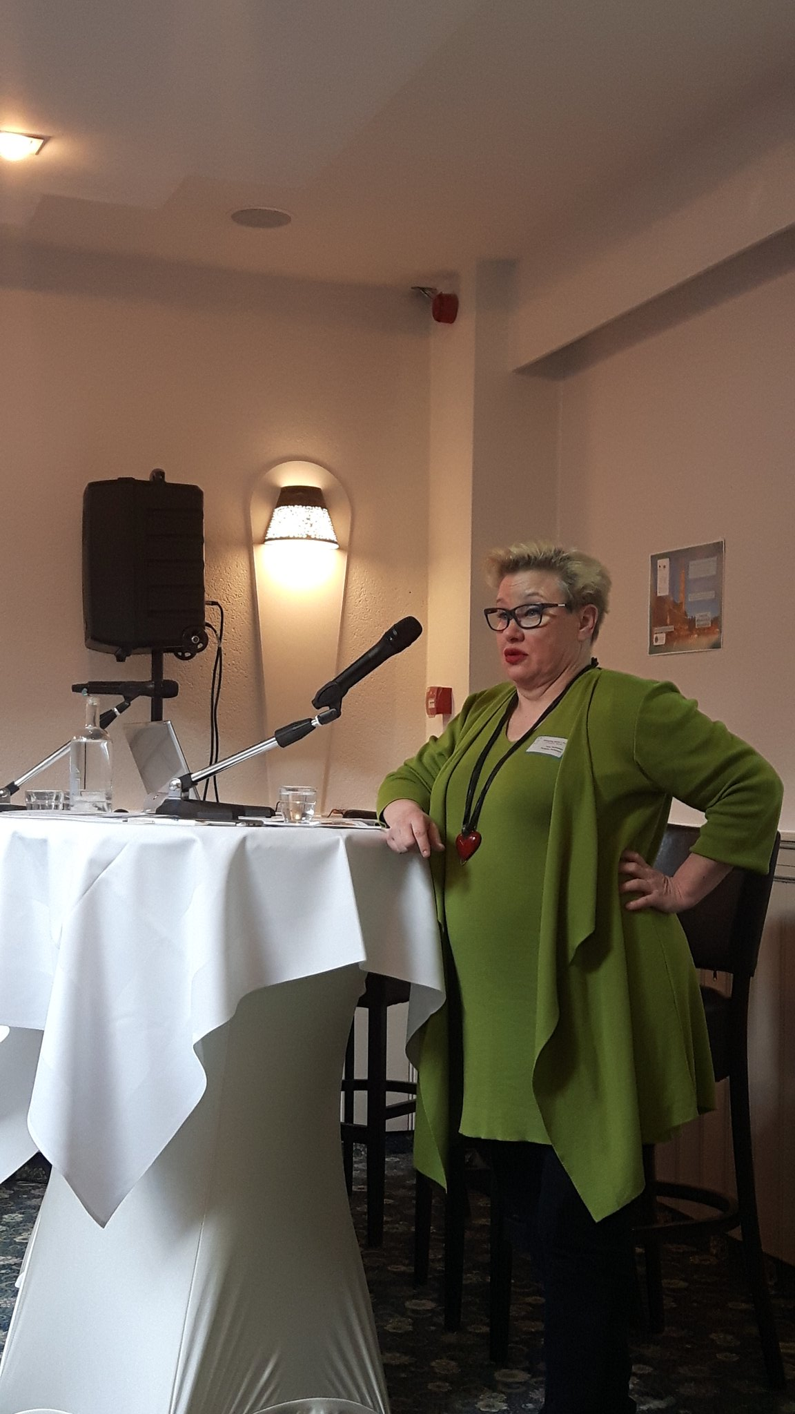 #mep Pietikainen taking the #floor and speaking about the #picnic concept at the Enterprising #womenintech event @WeHubs @EUBIC #WEDay https://t.co/fn421eINX6