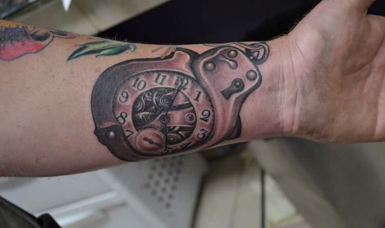 gothic realm tattoo on twitter hand cuff time piece fbk rh twitter com handcuff tattoo designs handcuff tattoos on wrist