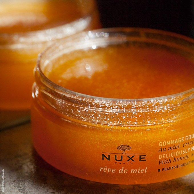 Innovation La texture baume-en-huile. NUXE Skincare Gommage