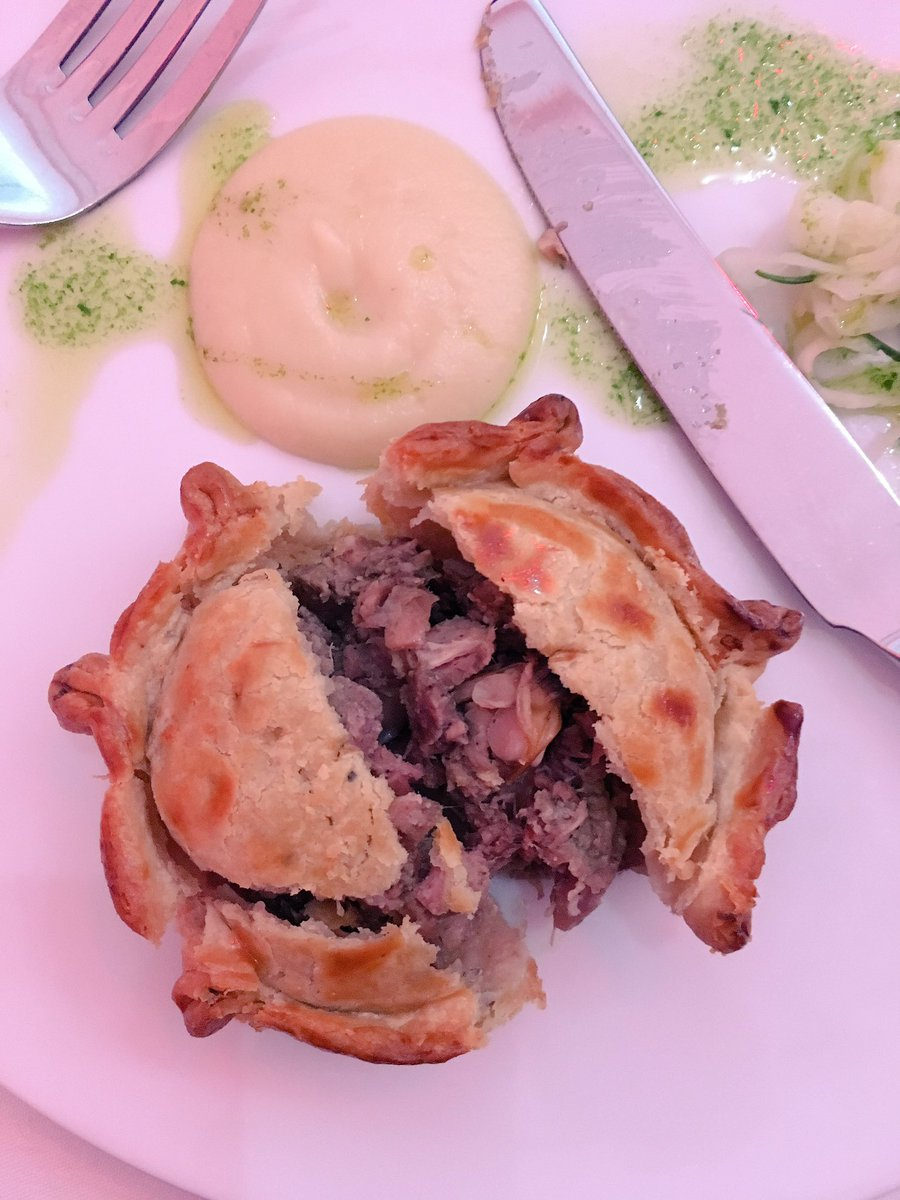 Lamb and cockle pie, oh yeah. by @parkersarms @VisitLancashire lunch. Pub food. Great pub food. https://t.co/mSJcRWacmm
