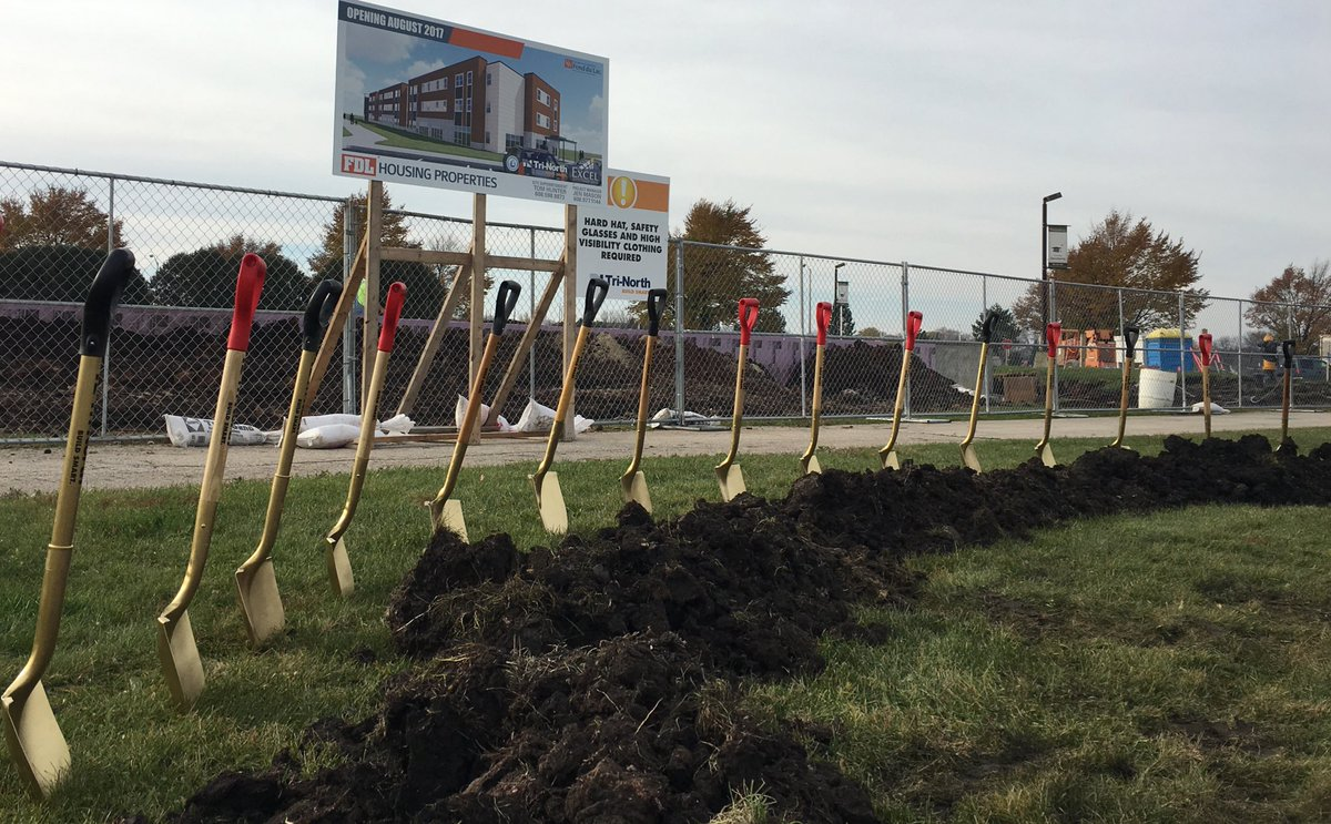 Uw Fond Du Lac On Twitter Shovels At The Ready Student Housing Tri Groundbreaking 10 Am Fdlcounty