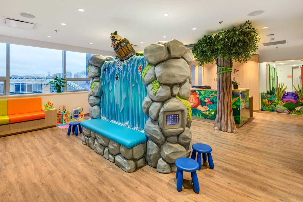 A Beach Themed Office Is Sure To Put A Smile On The Faces Of Your Patients!  #dentist #pediatric #theming #interiordesign #Kids #decor #beachpic.twitter.com/  ...