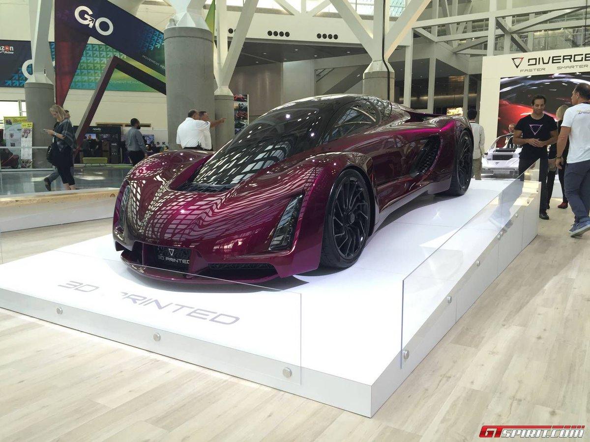 Blade Supercar, prima auto 3D che può circolare su strada.