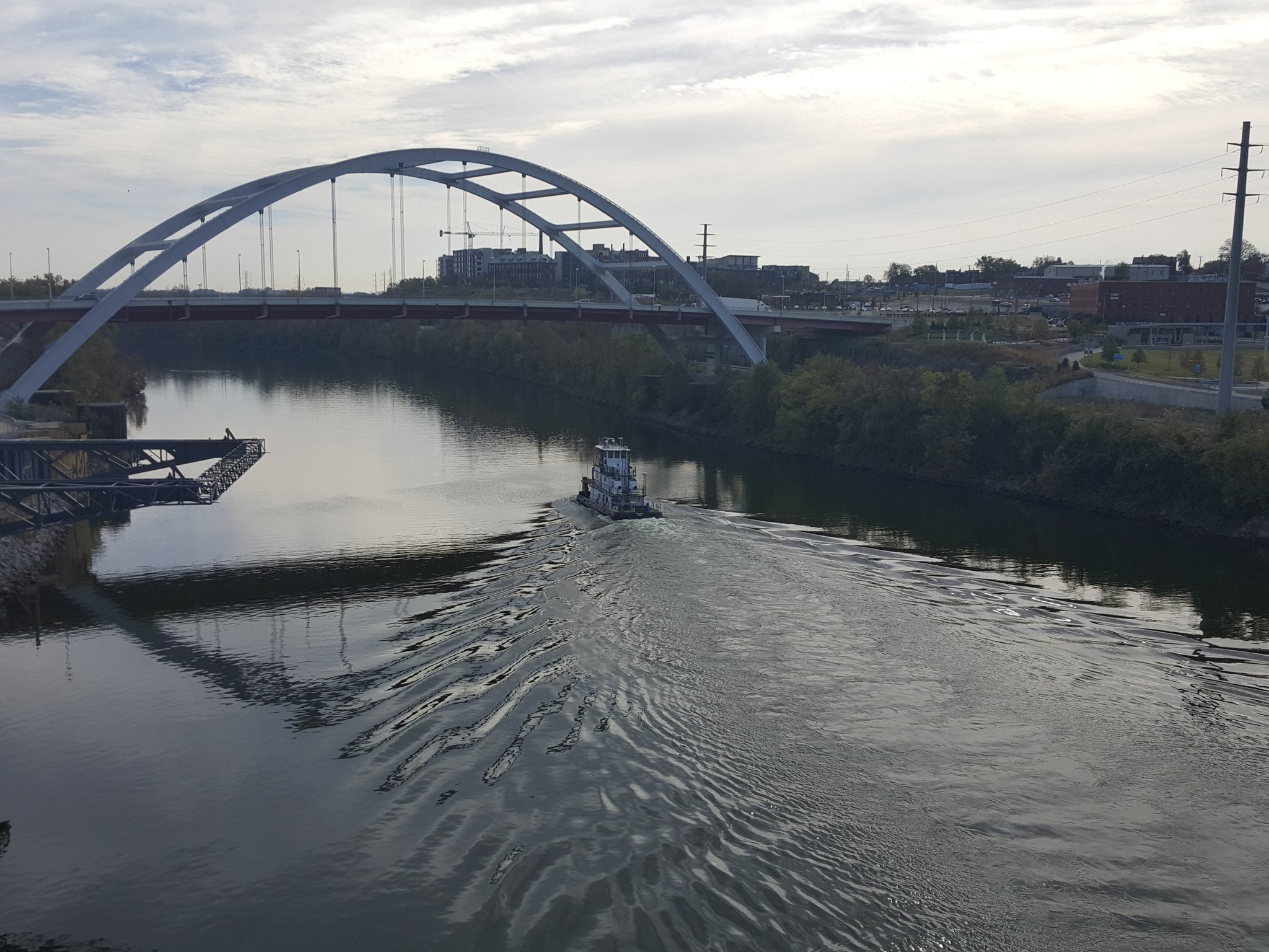 #Nashville tow boat shows movement is a theme of #geography. https://t.co/G0YOvMYR8l #GAWchat https://t.co/44sexqJgPd