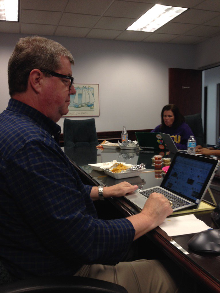 Dr. Welmers working the Tweetdeck #nhcsparentchat https://t.co/5FgnO0jSX0