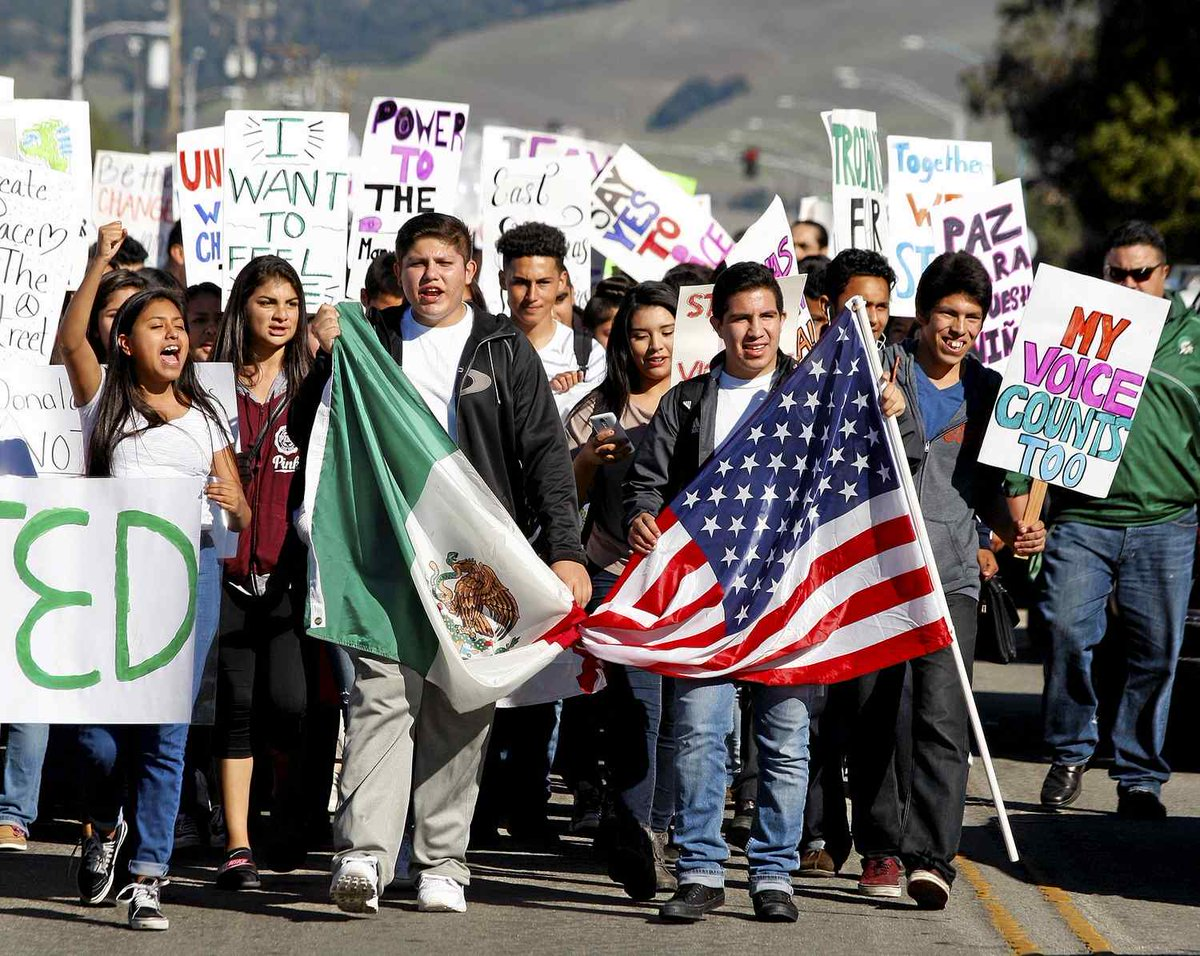 Alisal High students march for unity and peace https://t.co/g9SudJkLDy https://t.co/QNfmmoAdil