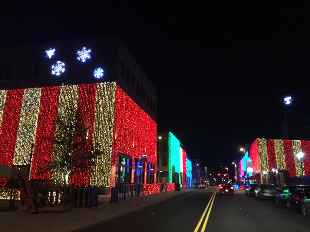 vanessa mccray on twitter todays downtown toledo419 pic hensville christmas lights in the warehouse district dailytoledo