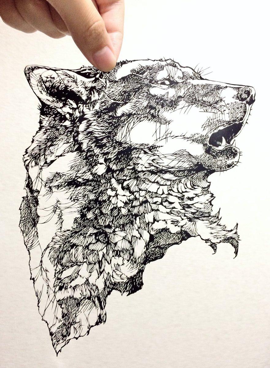 完成。ペン画のオオカミではなく、切り絵のオオカミ「咆哮」三週間くらいかかってしまった気がする#烏海切り絵 #切り絵 pic.twitter.com/XtgJOpLq4B