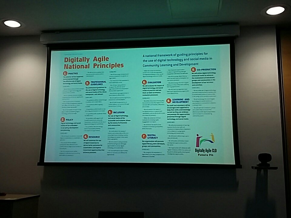 Liz @YouthLinkScot  on the brilliant digitally agile principles - developed with CLD staff but relevant for all #scotinfolit https://t.co/2yes0NUkg7