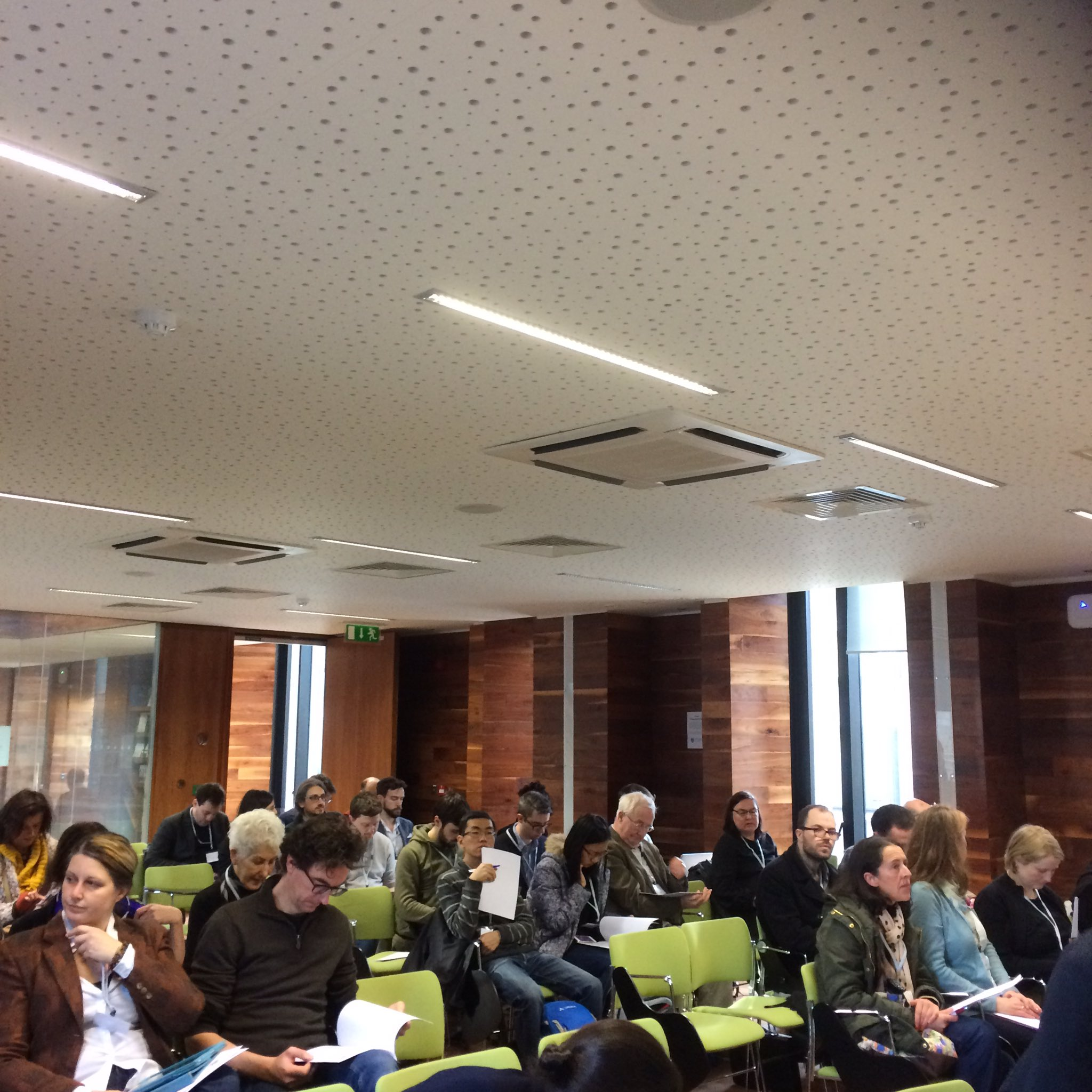 Almost full house this morning in @TLRHub for DAH Digital Conference! #dahphdie https://t.co/nMkJhi8ywu
