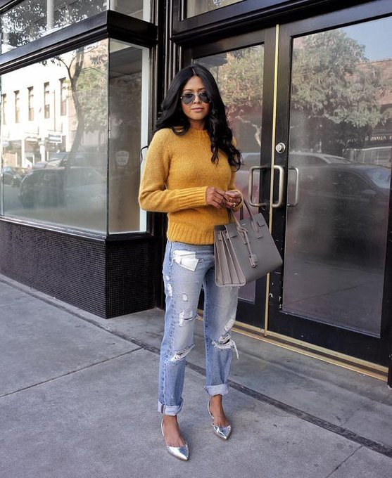 sweater and jeans via Walk in Wonderland walkinwondrland ootd