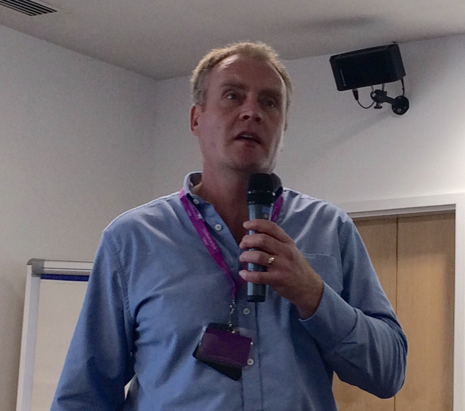 Dr Steven Buchanan kicks off #scotinfolit with a fantastic insight into information behaviour @UniStrathclyde https://t.co/6x1aafngaA