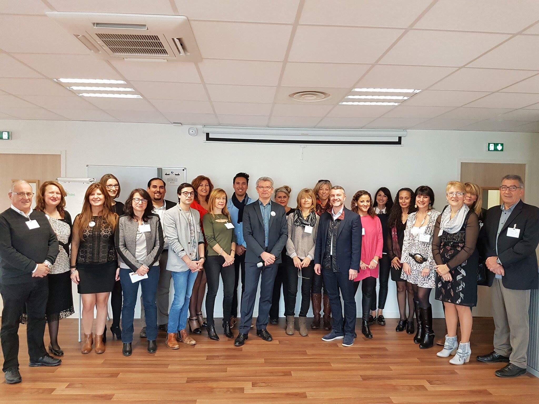 Ce matin à l'agence #PerpignanSantVicens, 10 communes présentes à la présentation de l'offre de service #digitale pour la #semaineip https://t.co/FjZ8MFgIGW