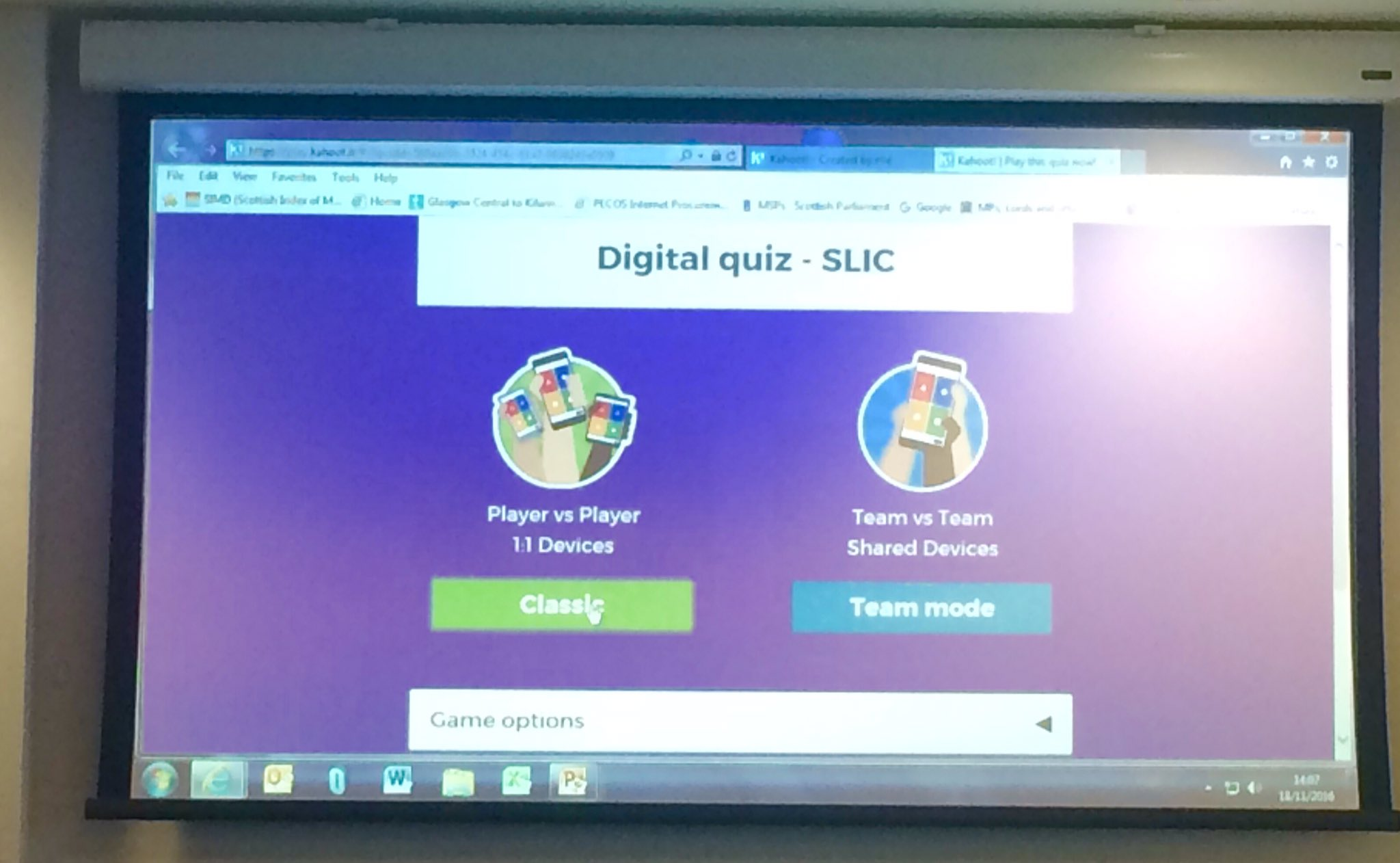 Fun digital quiz from @Betty_Murphy highlighting some v interesting stats @digiscot #scotinfolit https://t.co/ifRUumU3kD