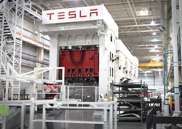 Vozy Tesla by se mohly vyrábět v Čechách. Sen, nebo realita? auto.cz/tesla-postavi-…
