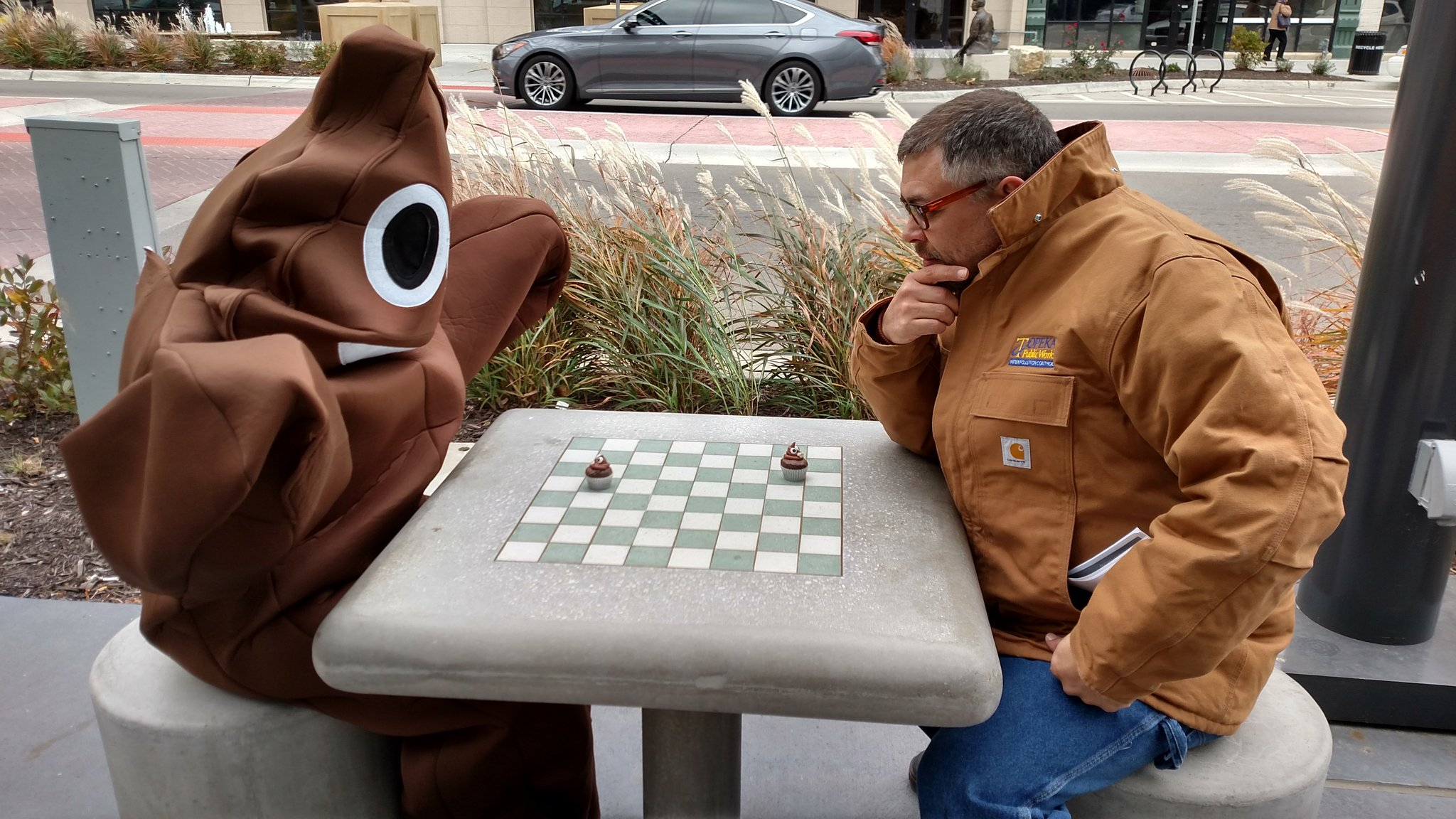 Your move, #topeka #worldtoiletday #poopsuit https://t.co/YzxDyZRYV2