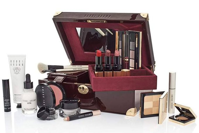 Bobbi Brown Luxe Beauty Trunk: ChicProfile bbloggers makeup beauty bobbiebrown