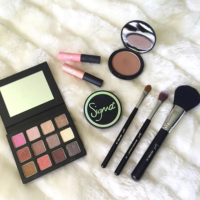 Saturday makeup essentials. elizabethkc_