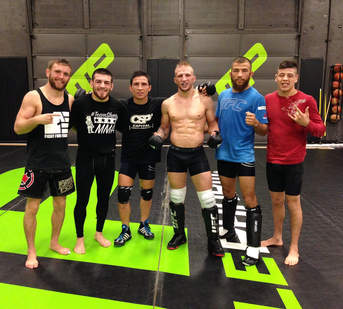 You'll never see a tougher group of small guys! @TElliott125 @JoeJitsu @TJDillashaw @jarch141 @theassassinbaby and myself! #MyFaceHurts https://t.co/JLgYEJCMbf